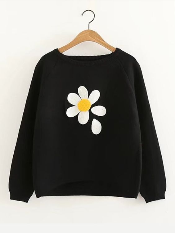 Raglan Sleeve Dip Hem Flower Sweater DAP